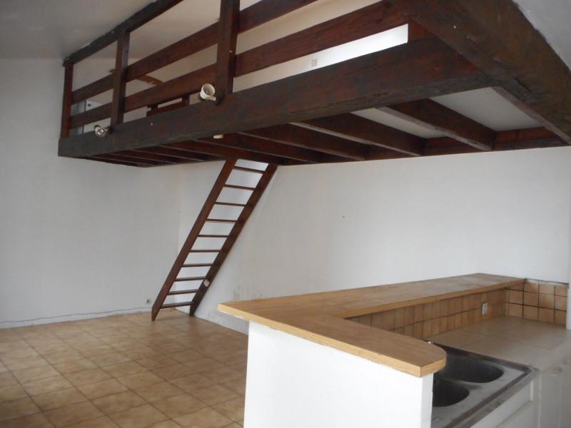 Location maison / villa Ormesson sur marne 820€ CC - Photo 2