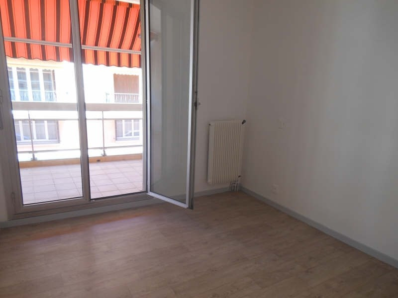 Rental apartment Nimes 550€ CC - Picture 5