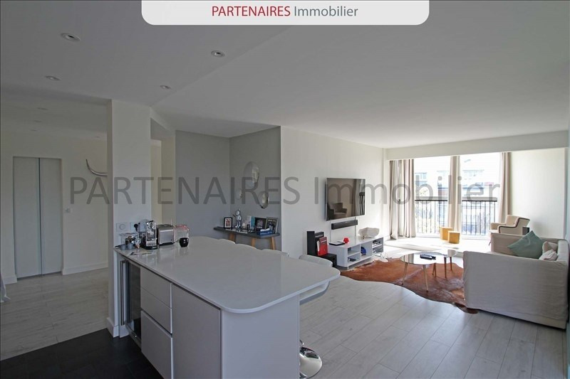 Rental apartment Le chesnay 1 500€ CC - Picture 1