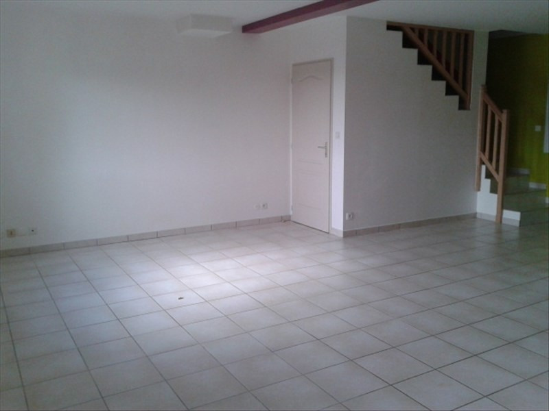 Location maison / villa St cyr sur le rhone 900€ CC - Photo 3