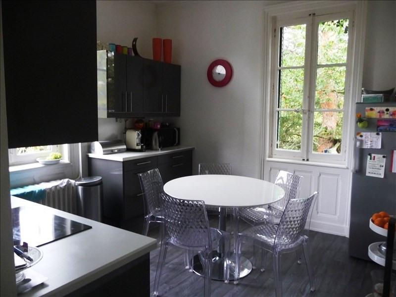 Rental apartment Charbonnieres les bains 1980€ CC - Picture 2