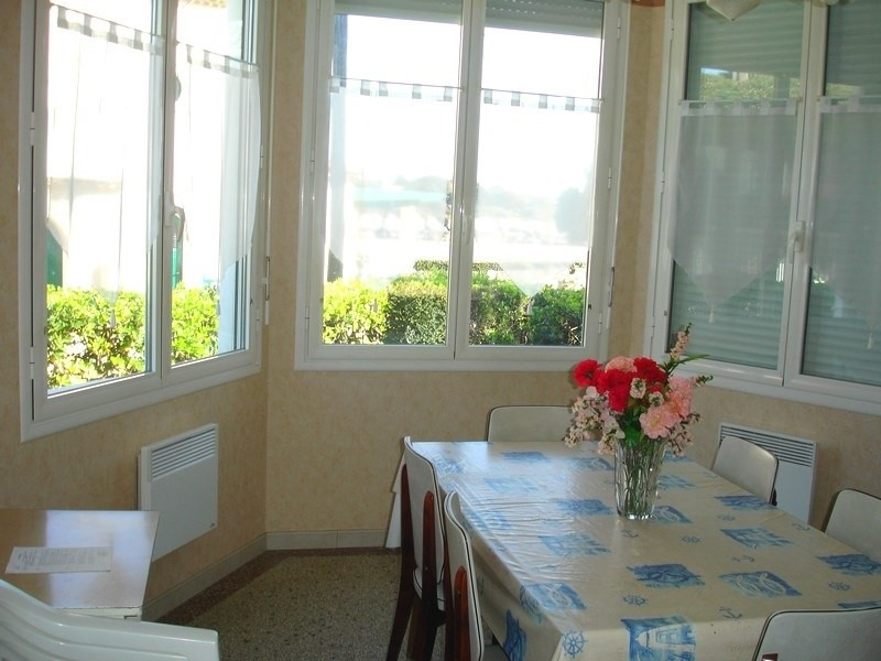 Location vacances maison / villa Saint-palais-sur-mer 269€ - Photo 4