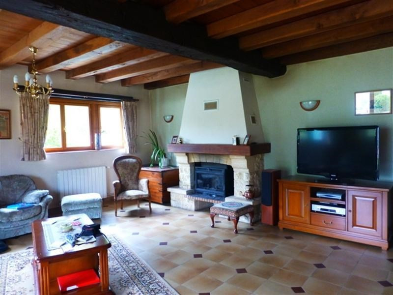 Sale house / villa St jean d angely 258 475€ - Picture 3