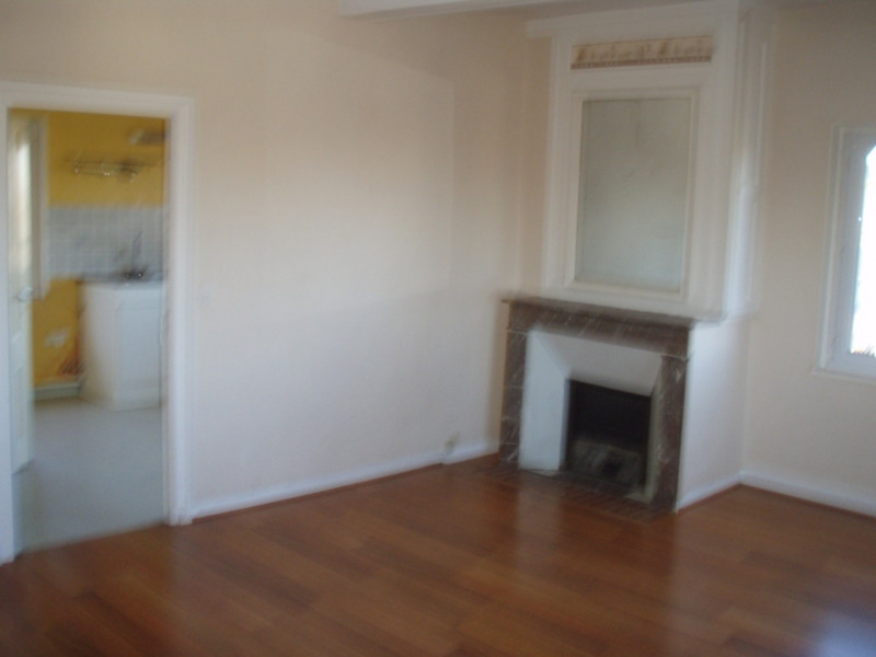 Rental apartment Honfleur 576€ CC - Picture 1