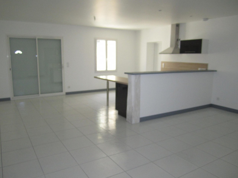 Location maison / villa Barret 652€ CC - Photo 3