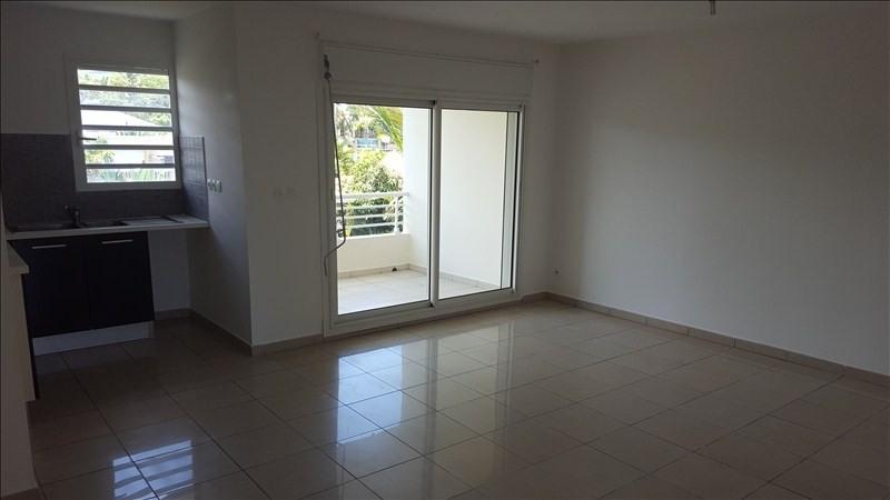 Rental apartment St pierre 594€ CC - Picture 3