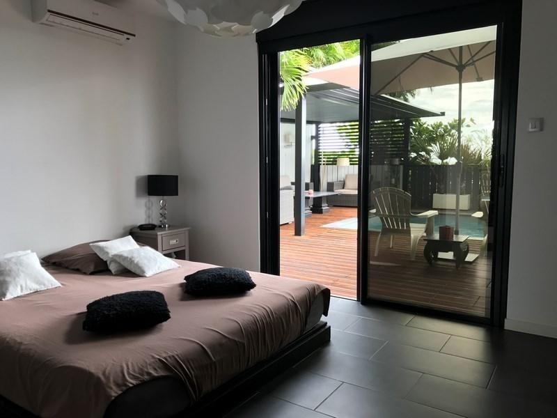 Deluxe sale house / villa St gilles les bains 880000€ - Picture 7