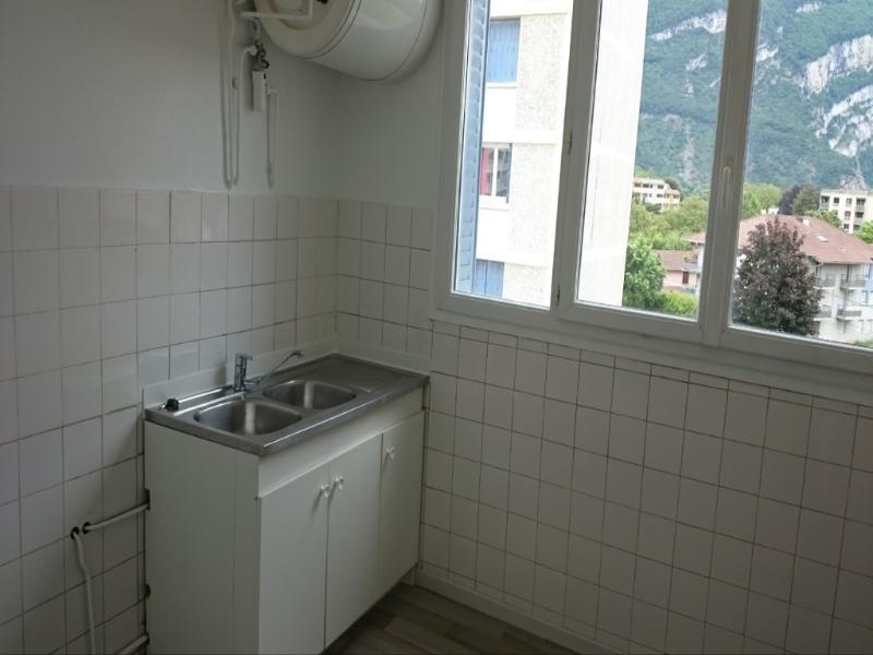 Location appartement Fontaine 693€ CC - Photo 3
