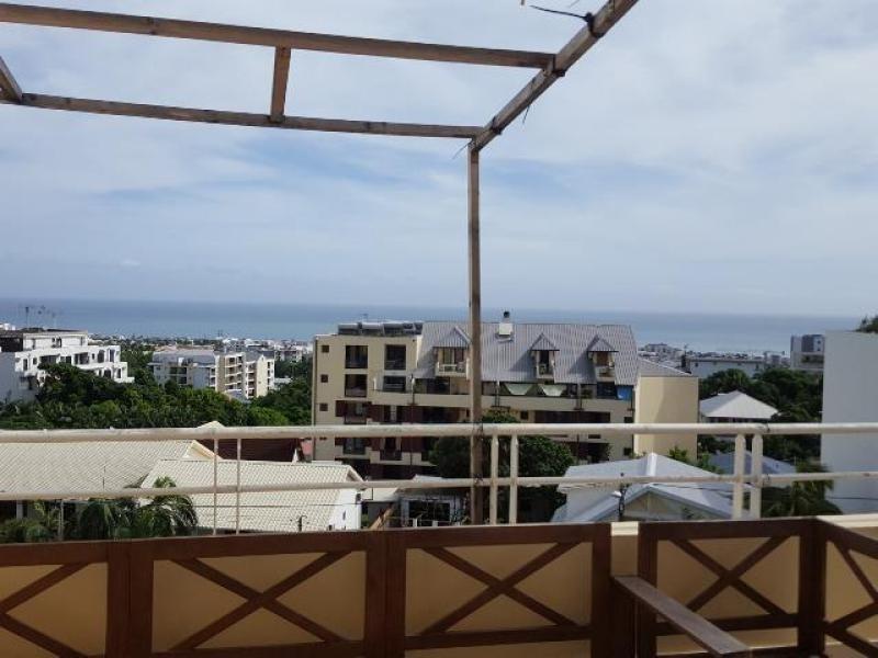 Sale apartment Ste clotilde 110000€ - Picture 2