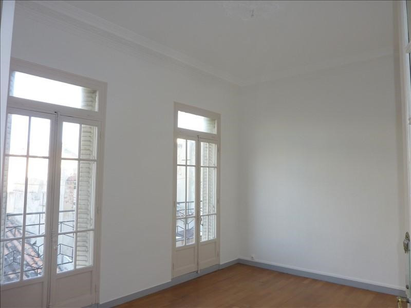 Location appartement Marseille 6ème 905€ CC - Photo 6