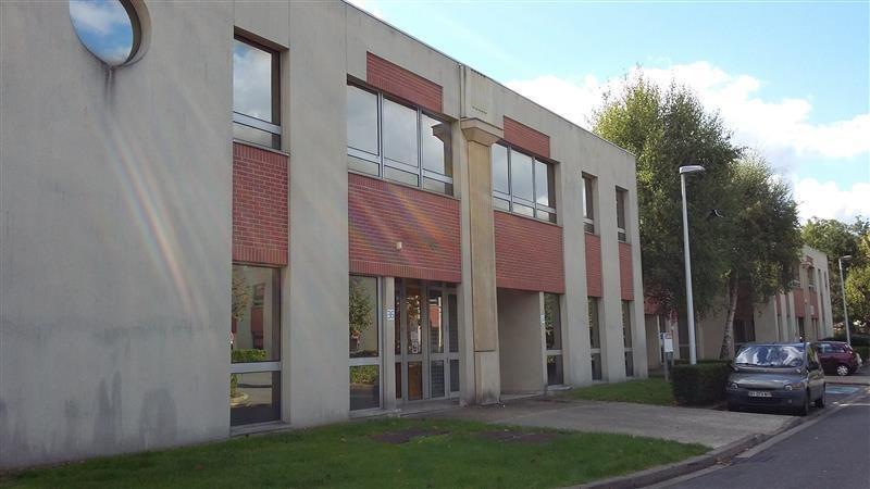 Location Local d'activités / Entrepôt Émerainville 0