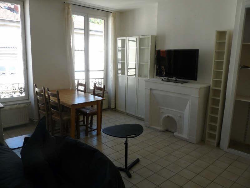 Rental apartment Lyon 7ème 740€ CC - Picture 1