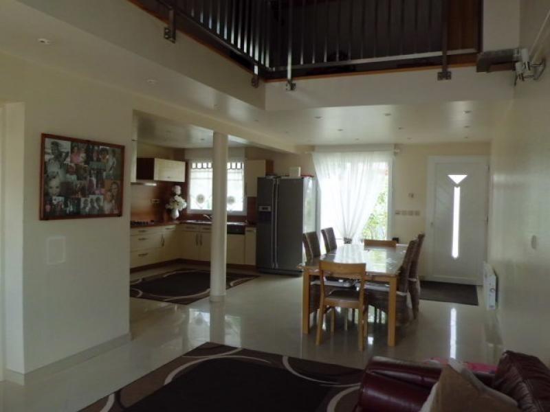 Vente maison / villa Montfermeil 334000€ - Photo 3