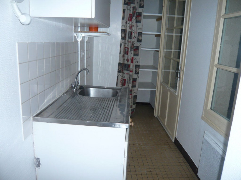 Rental apartment Laval 370€ CC - Picture 2