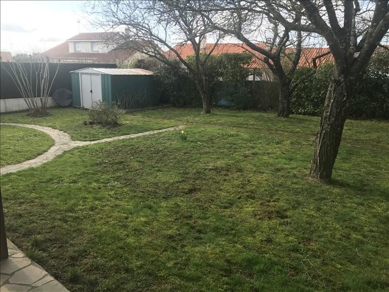 Sale house / villa Jallais 164320€ - Picture 4