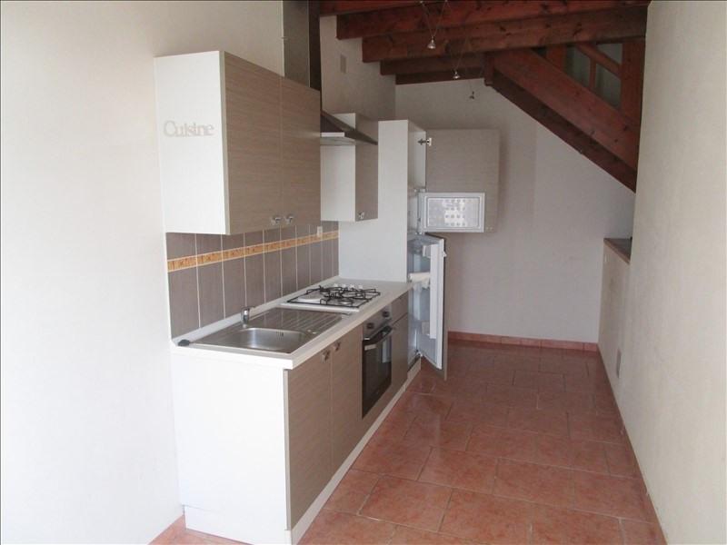Rental house / villa St pierre de juillers 520€ CC - Picture 2