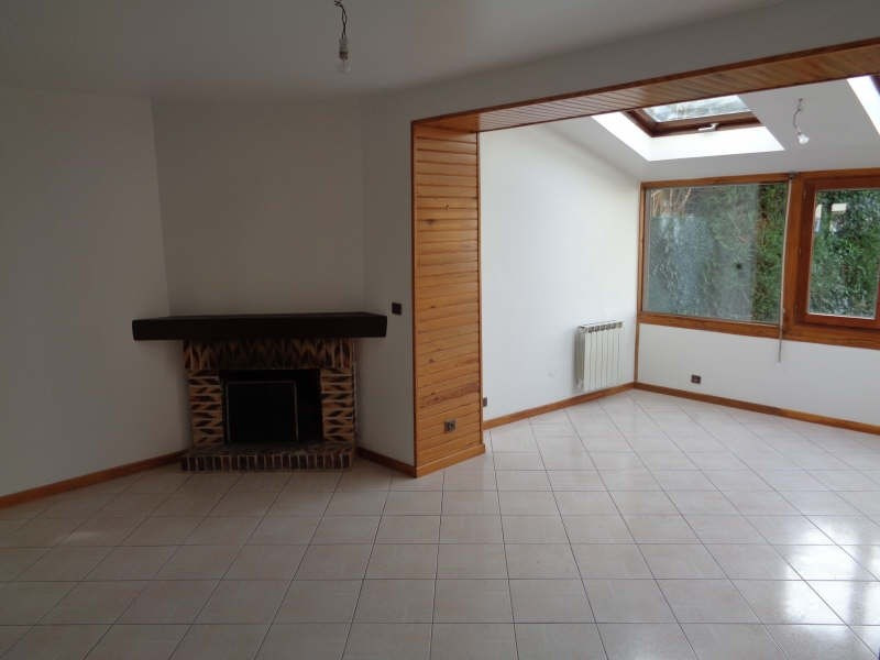 Location maison / villa Fontenay le fleury 1 306€ +CH - Photo 4