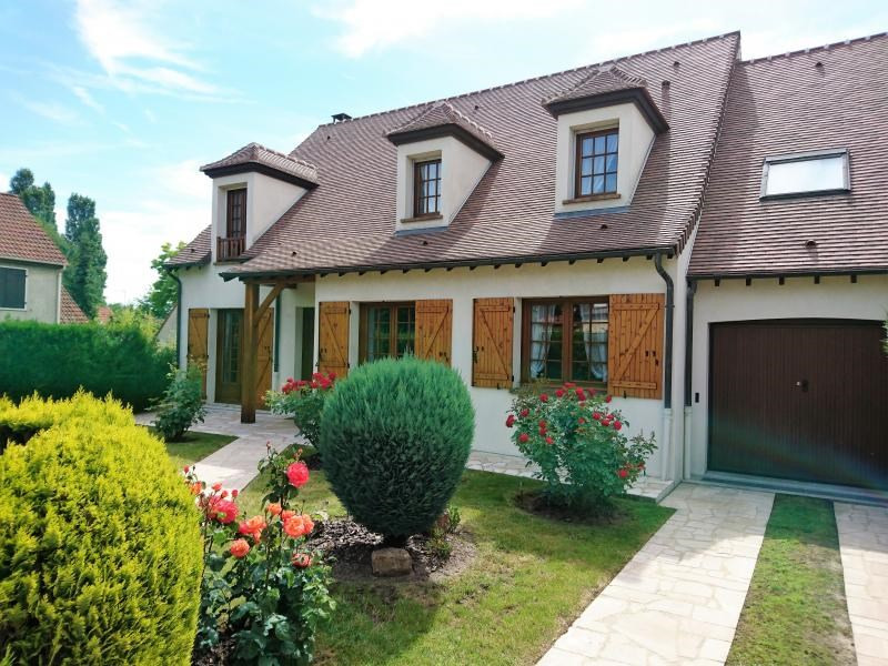 Deluxe sale house / villa Verrieres le buisson 998 000€ - Picture 1