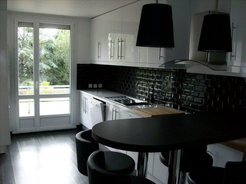 Sale apartment Roanne 162750€ - Picture 2