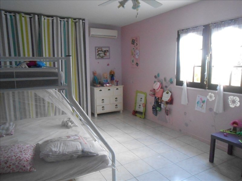 Investment property house / villa St claude 390 000€ - Picture 8