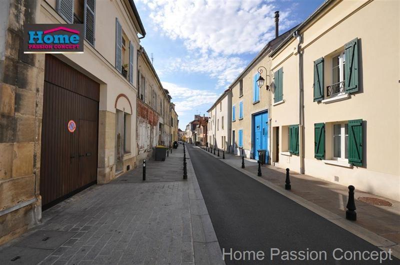 Sale apartment Nanterre 349000€ - Picture 1