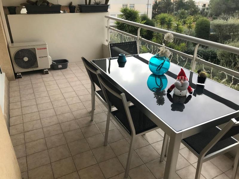 Sale apartment St laurent du var 379000€ - Picture 2