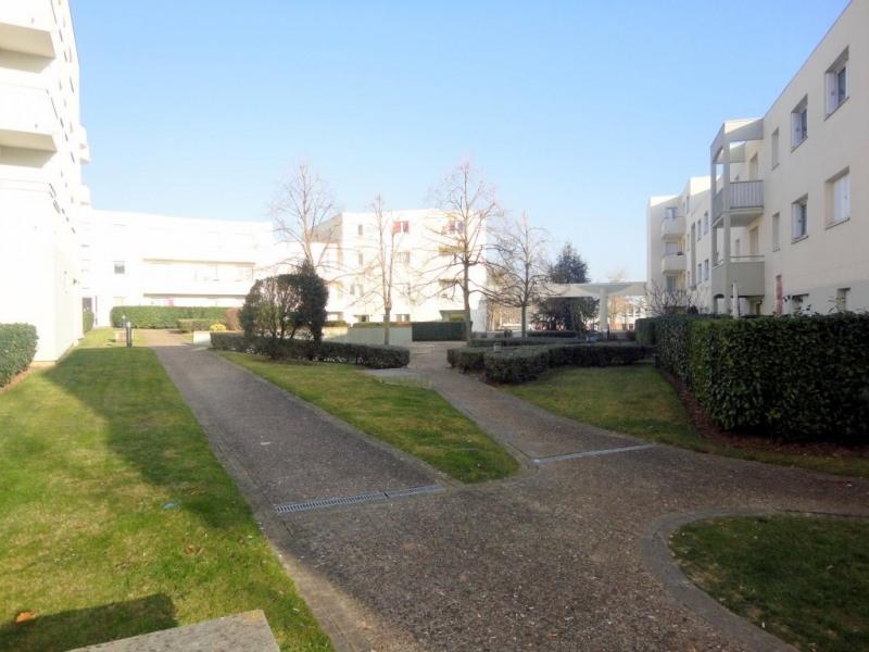 Location appartement Élancourt 950€ CC - Photo 6