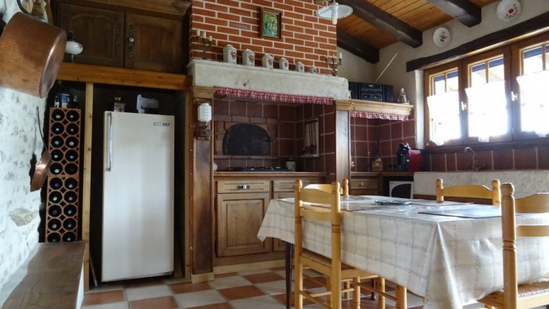 Sale house / villa La taillee 254 650€ - Picture 3