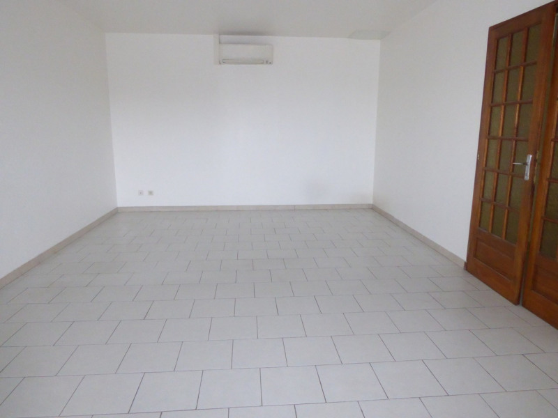 Location maison / villa Vogüé 618€ CC - Photo 6