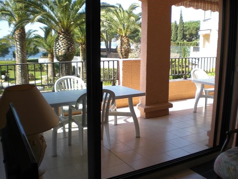 Vacation rental apartment Les issambres 1 120€ - Picture 12