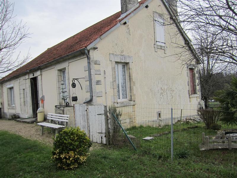 Sale house / villa Barbezieux saint-hilaire 85000€ - Picture 1
