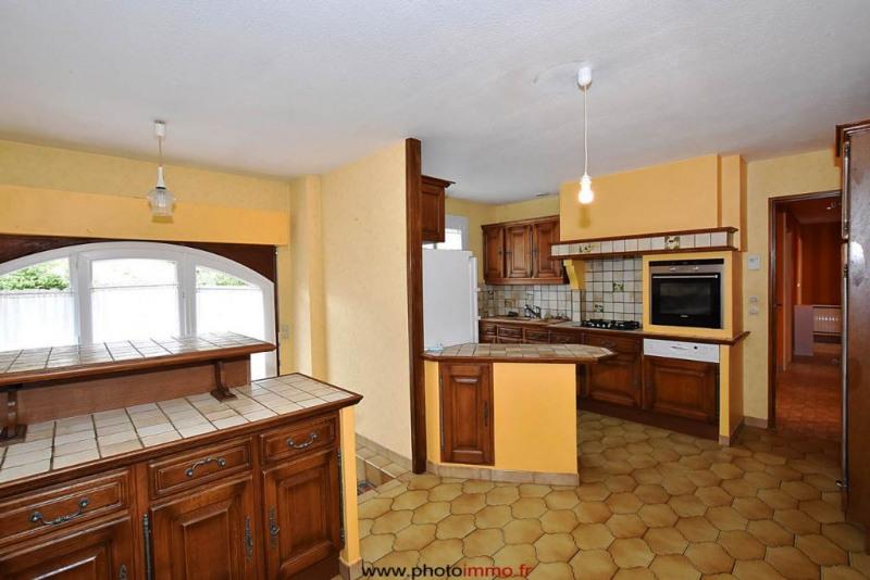Sale house / villa Le crest 249100€ - Picture 4