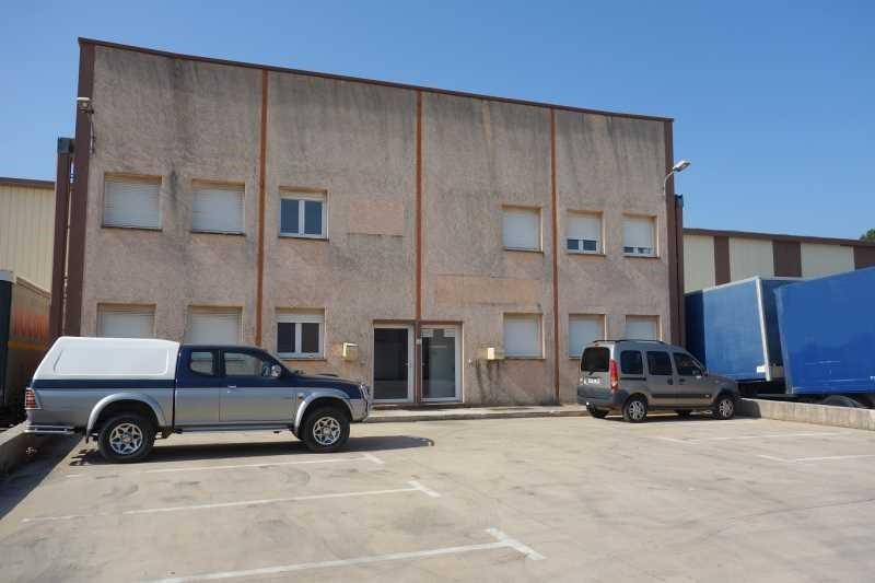 Location Local d'activités / Entrepôt Flassans-sur-Issole 0