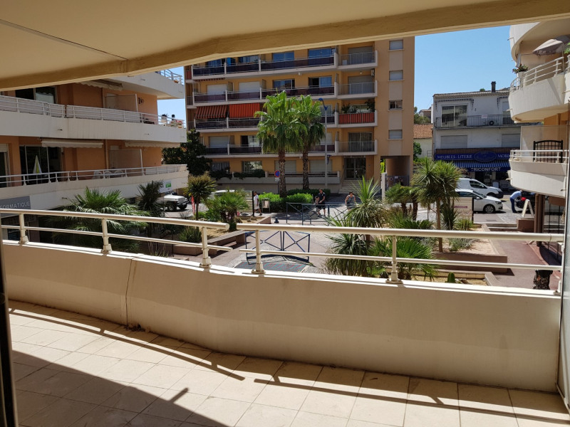 Vacation rental apartment Cavalaire sur mer 1100€ - Picture 2