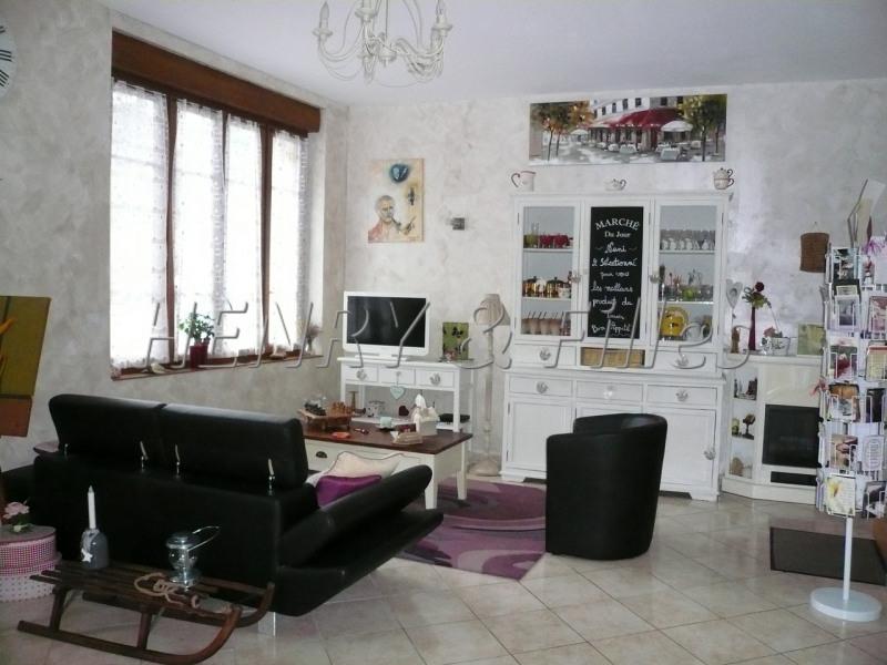 Sale house / villa L'isle jourdain 265000€ - Picture 4