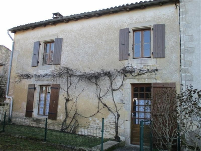 Sale house / villa St jean d angely 80 000€ - Picture 1