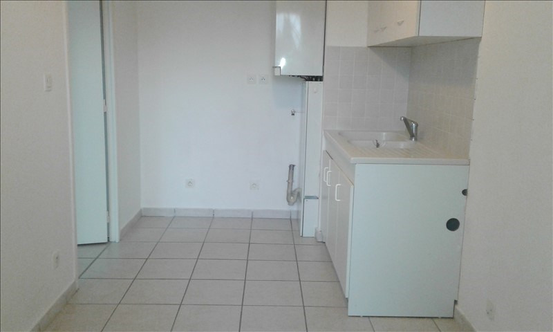 Location appartement St genis laval 590€ CC - Photo 3