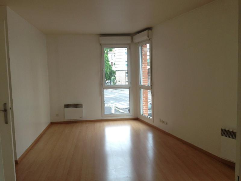 Rental apartment Montreuil 884€ CC - Picture 1
