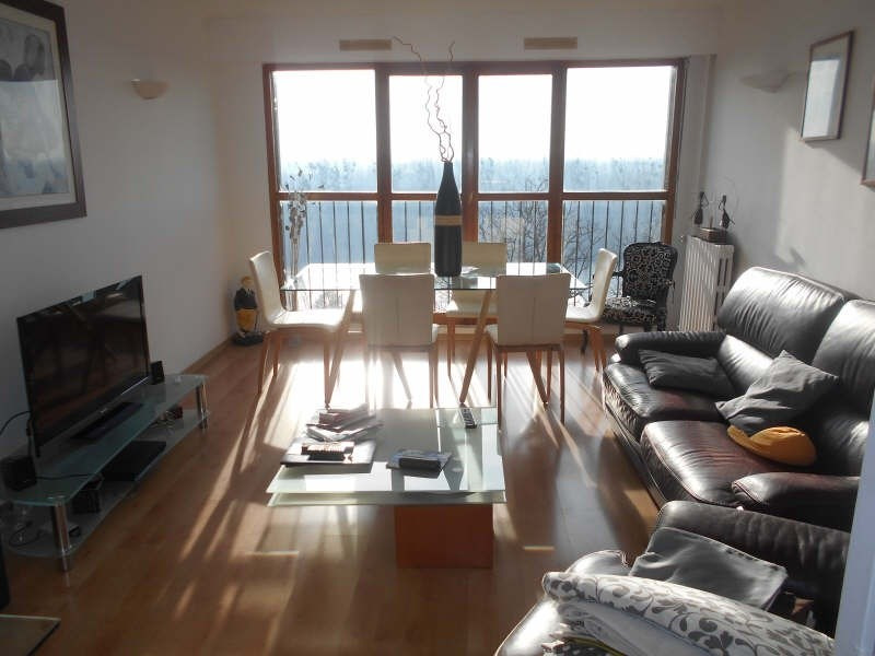 Sale apartment Herblay 210000€ - Picture 2