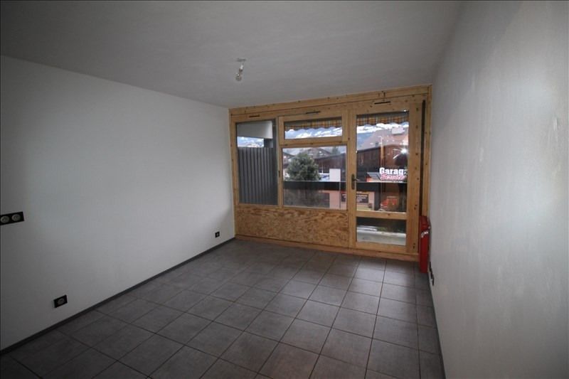 Rental apartment Sallanches 450€ CC - Picture 1