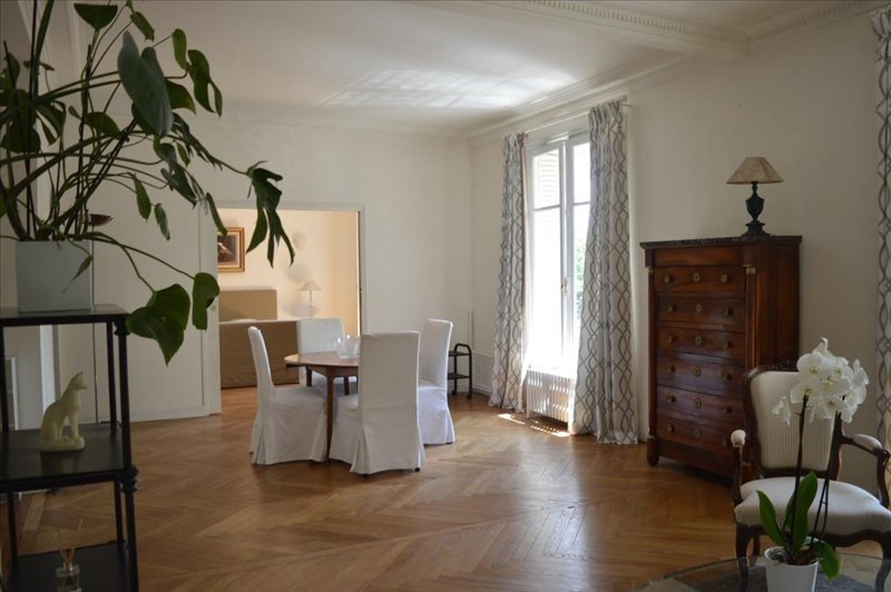 Location appartement Paris 16ème 2 380€ CC - Photo 3