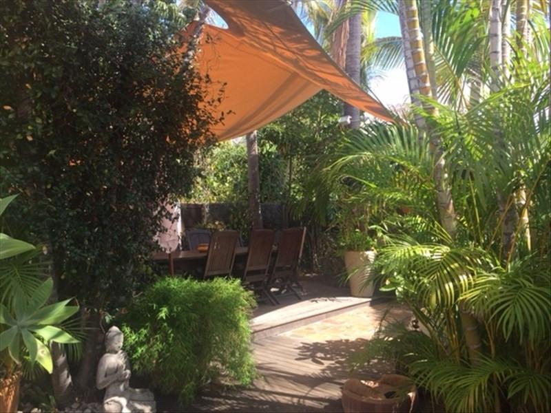 Deluxe sale house / villa St gilles les bains 780000€ - Picture 3