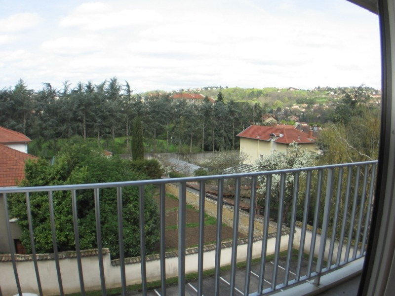 Rental apartment Oullins 499€ CC - Picture 1