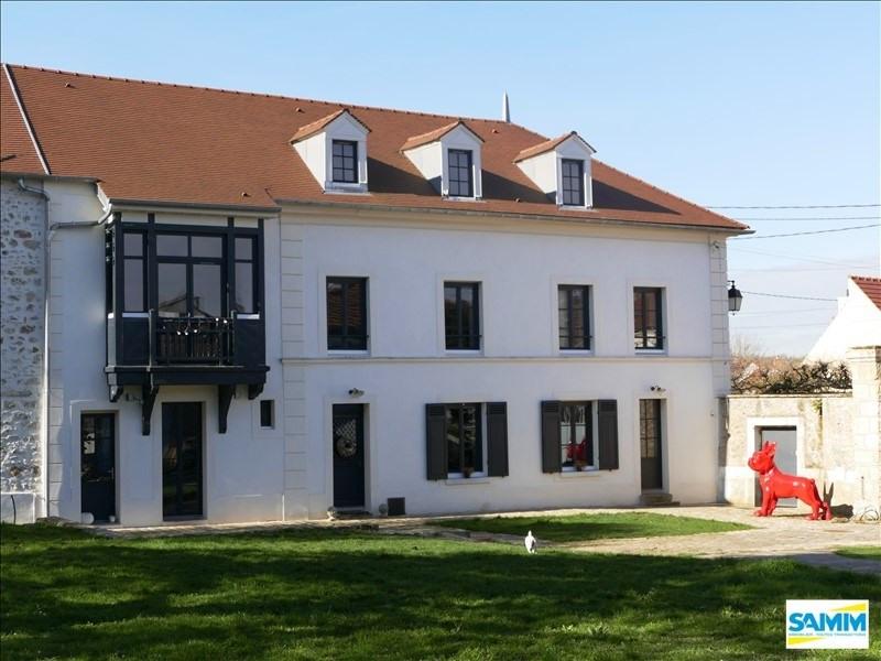 Sale house / villa Mennecy 735000€ - Picture 1