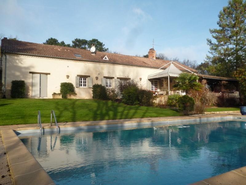 Deluxe sale house / villa Perigueux 580000€ - Picture 1