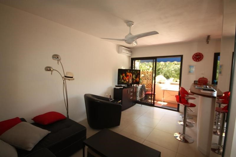 Sale apartment Antibes 212 000€ - Picture 2