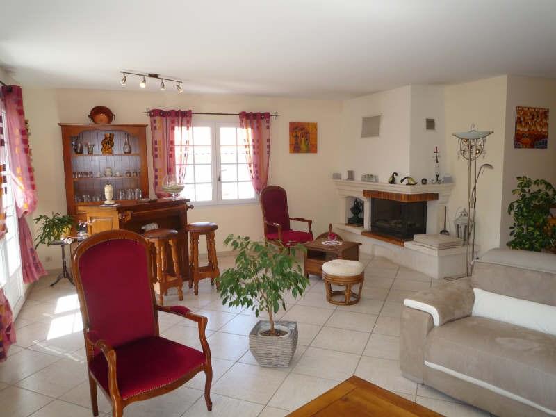 Sale house / villa Breuillet 399000€ - Picture 3
