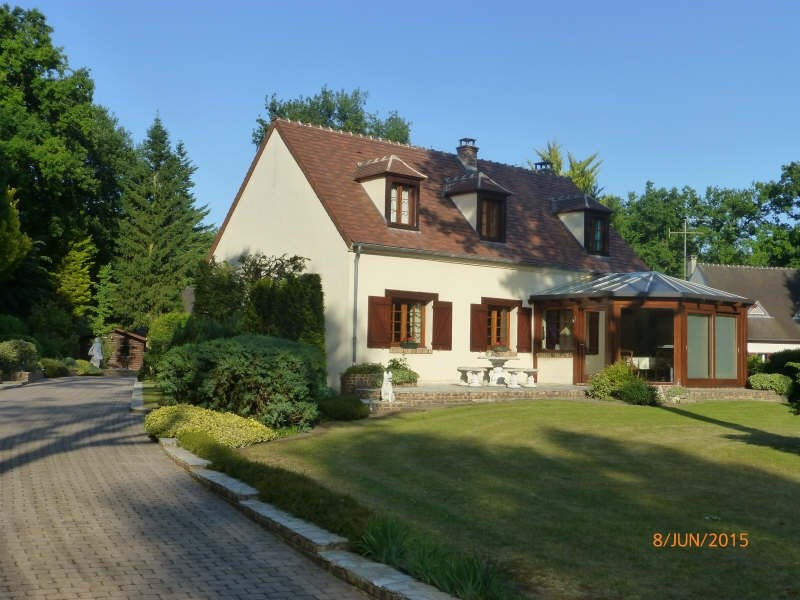 Sale house / villa Lamorlaye 550000€ - Picture 1