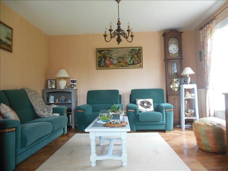 Sale house / villa Montmain 220000€ - Picture 5