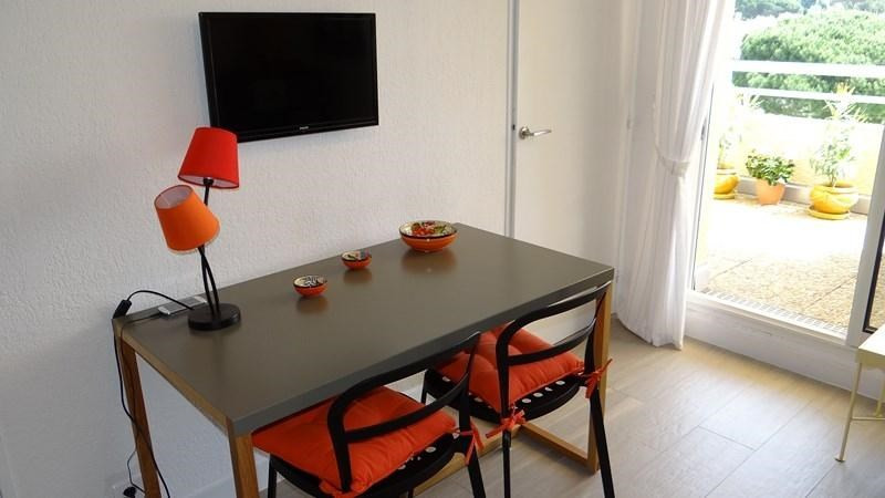 Location vacances appartement Cavalaire 650€ - Photo 8